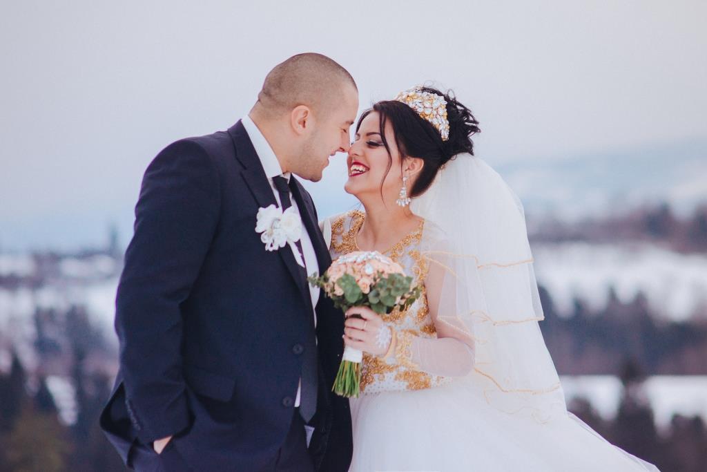 Весілля взимку в Карпатах